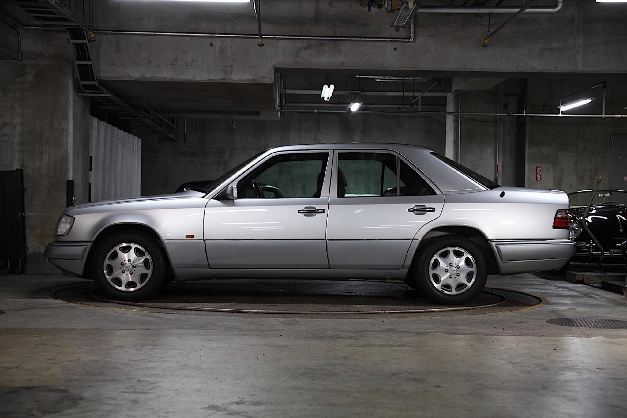 クラッシクカー販売 メルセデス・ベンツE320